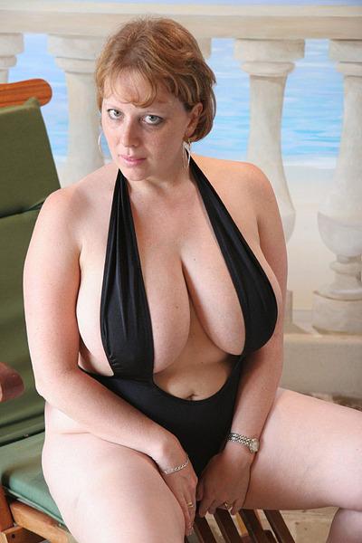 Chubby brunette mom